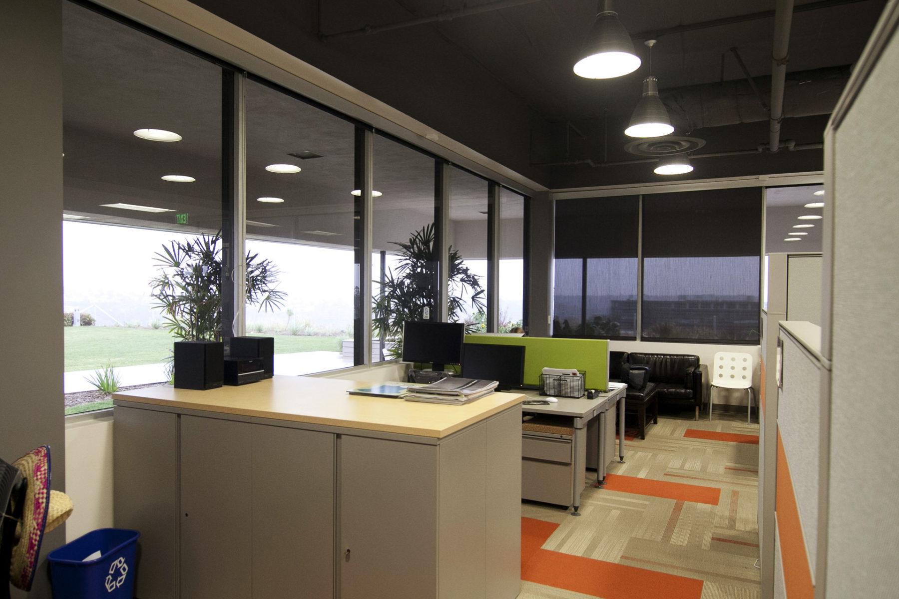 EN Desks