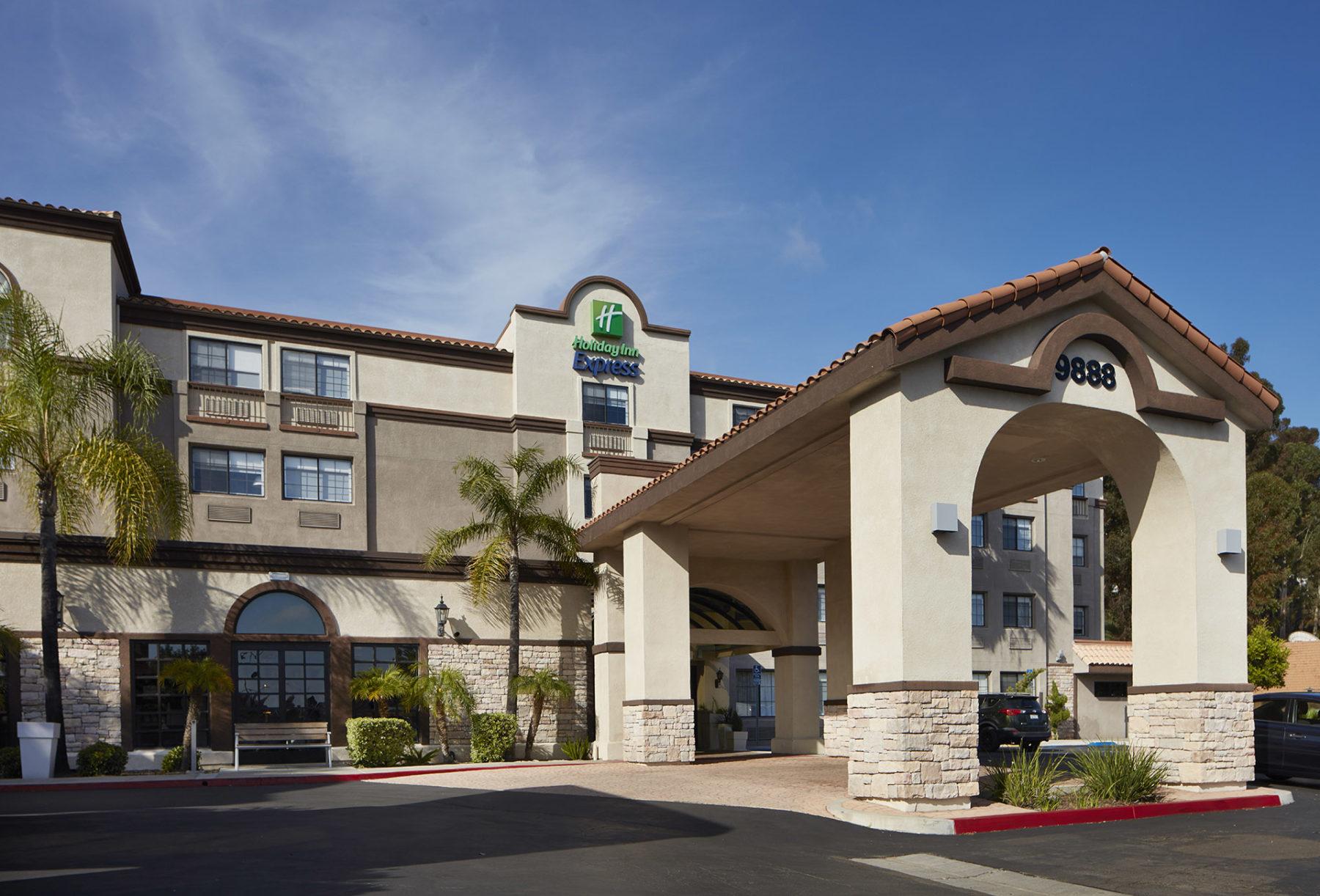 Dempsey Holiday Inn Mira Mesa